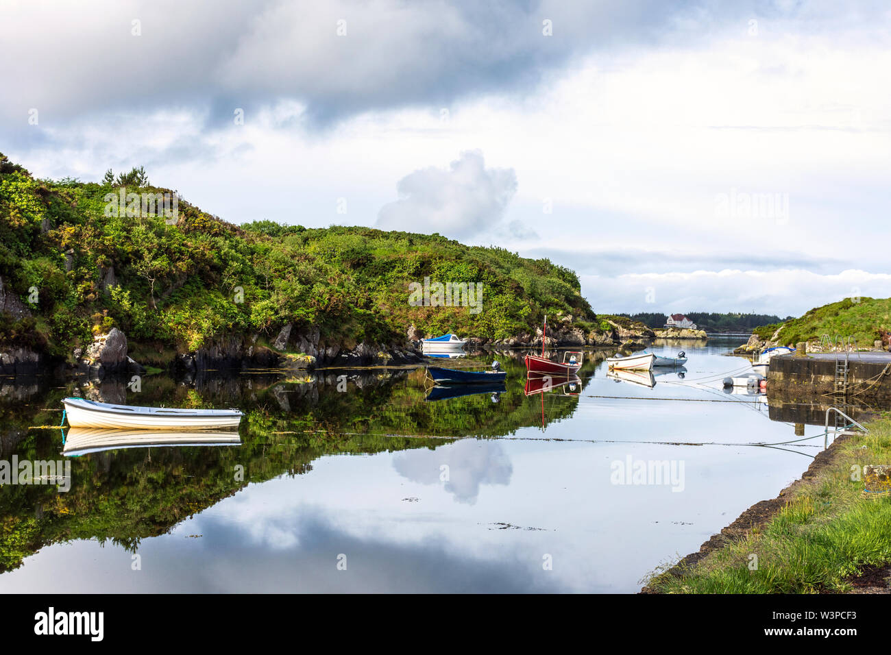 Lackeg harbour near Burtonport, County Donegal, Ireland. A small fishing port in The Rosses region on the north-west coast. - Stock Image