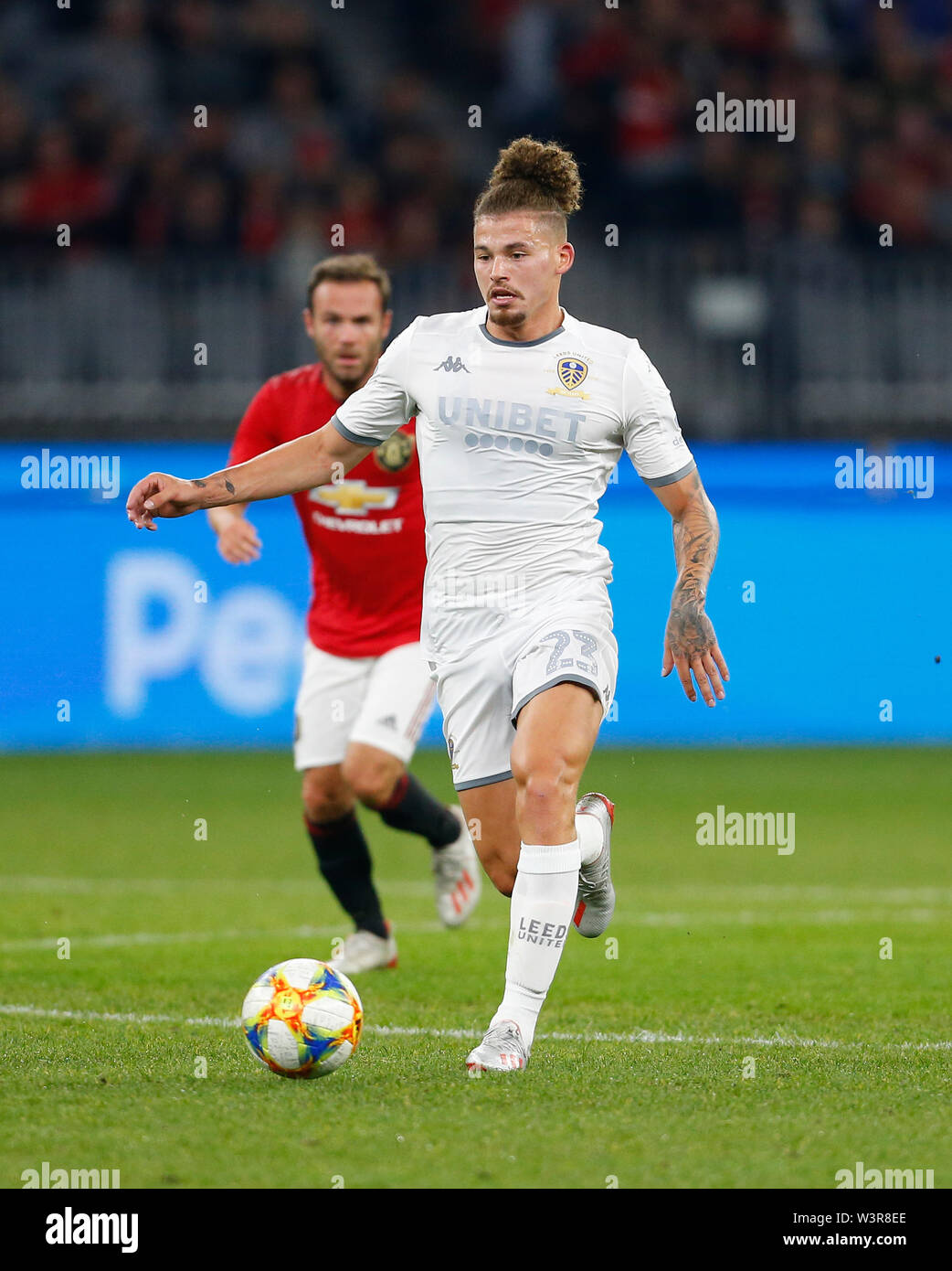 Optus Stadium, Burswood, Perth, W Australia. 17th July 2019. Manchester United versus Leeds United; pre-season tour; Kalvin Phillips of Leeds United breaks with the ball through the middle Credit: Action Plus Sports Images/Alamy Live News Stock Photo