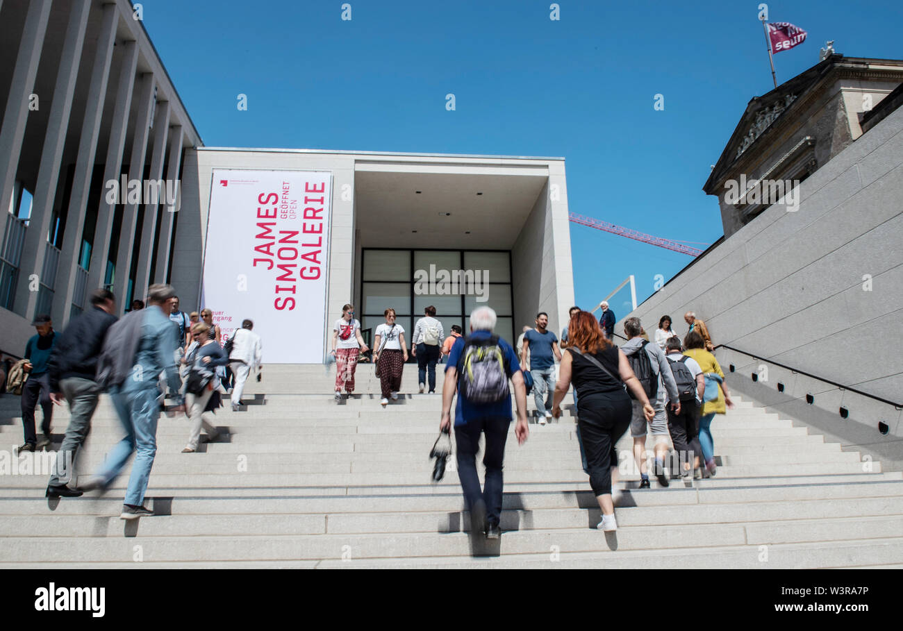 Berlin, Germany. 17th July, 2019. The staircase of the recently opened James Simon Gallery on Museum Island is bustling with activity. Credit: Paul Zinken/dpa/Alamy Live News Stock Photo