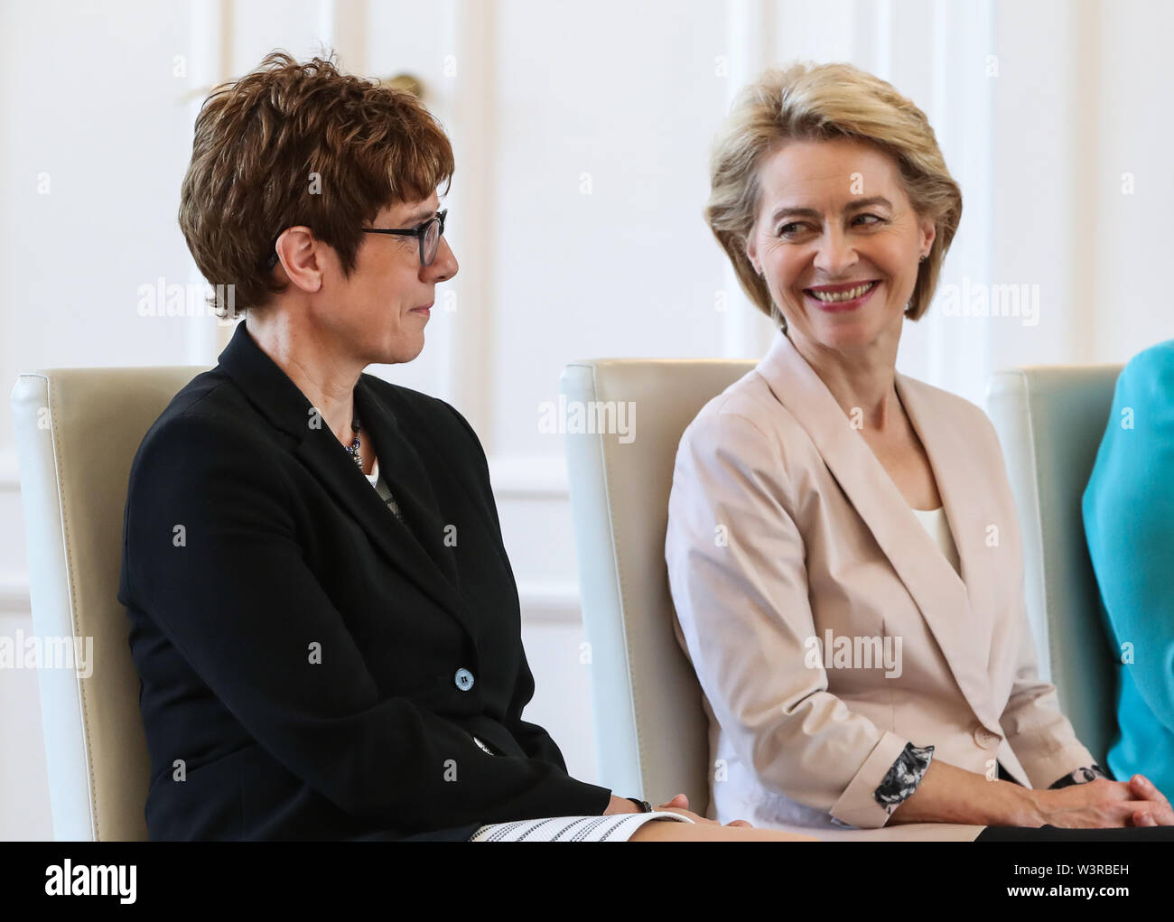 Berliin, Germany. 17th July, 2019. Incoming German Defense Minister Annegret Kramp-Karrenbauer (L) and outgoing German Defense Minister Ursula von der Leyen attend a ceremony for the appointment of German Defense Minister at the Bellevue Palace in Berlin, capital of Germany, July 17, 2019. The leader of the German ruling party Christian Democratic Union (CDU), Annegret Kramp-Karrenbauer, was appointed new German Minister for Defense on Wednesday. Credit: Shan Yuqi/Xinhua/Alamy Live News Stock Photo