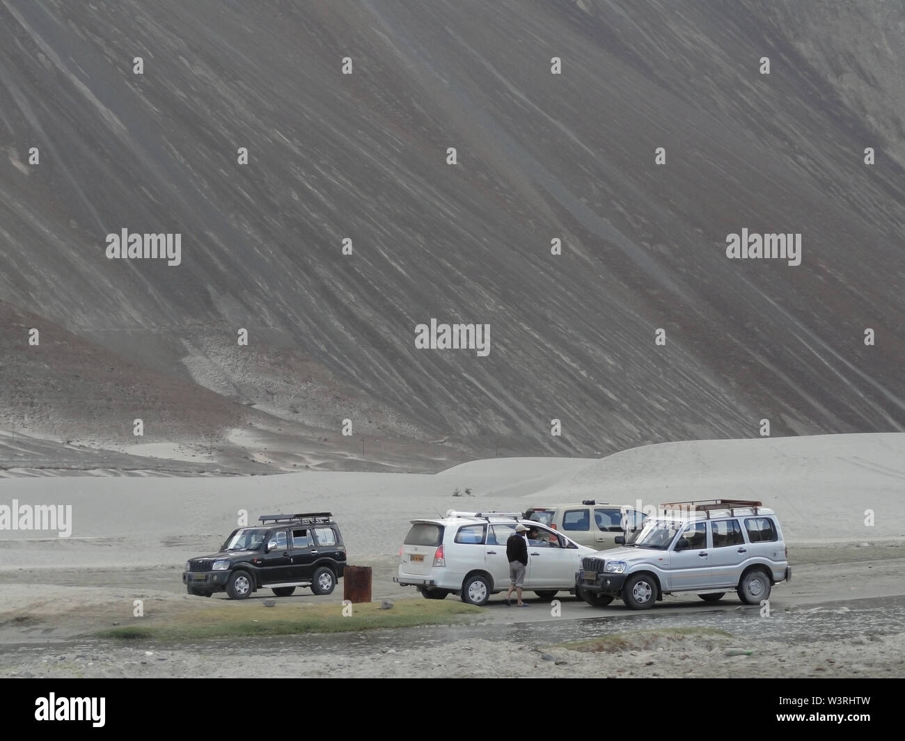 Long haul drive in the Himalayan mountains of Ladakh - Stock Image