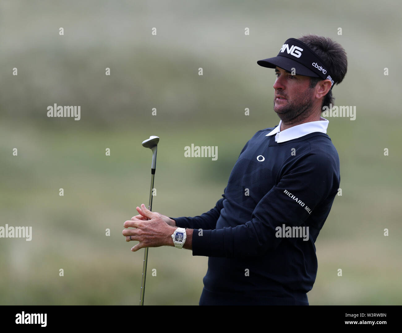 Portrush, Country Antrim, Northern Ireland. 17th July, 2019. The 148th Open Golf Championship, Royal Portrush Golf Club, Practice day; Bubba Watson (USA) practices a pitch sho Credit: Action Plus Sports Images/Alamy Live News Stock Photo