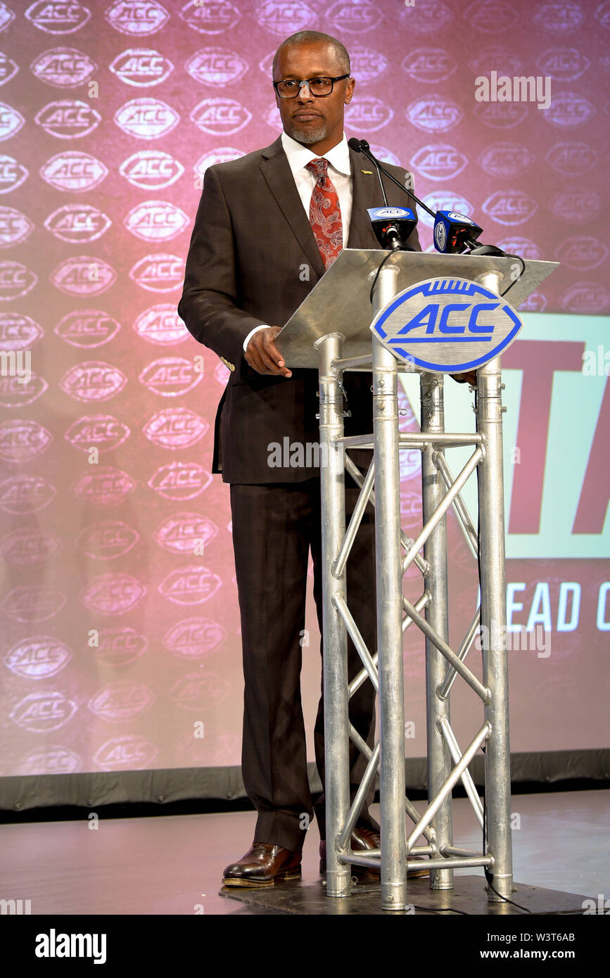 Charlotte, North Carolina, USA. 17th July, 2019. Florida State Head Coach WILLIE TAGGART speaking to reporters during the ACC Atlantic Division Coach/Student interviews on July 17, 2019 at the Westin Hotels & Resorts in Charlotte, N.C. Credit: Ed Clemente/ZUMA Wire/Alamy Live News - Stock Image