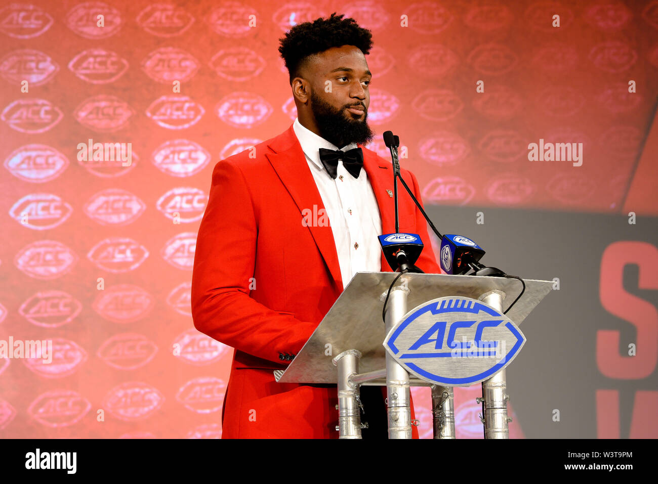 Charlotte, North Carolina, USA. 17th July, 2019. NC State JAMES SMITH-WILLIAMS (De) speaking to reporters during the ACC Atlantic Division Coach/Student interviews on July 17, 2019 at the Westin Hotels & Resorts in Charlotte, N.C. Credit: Ed Clemente/ZUMA Wire/Alamy Live News - Stock Image