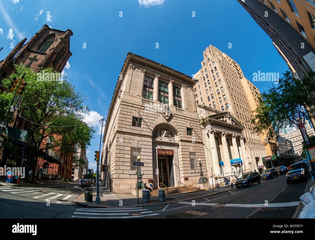 A CitiBank branch next to a branch of JP Morgan Chase in Brooklyn Heights in New York on Sunday, July 14, 2019. (© Richard B. Levine) - Stock Image