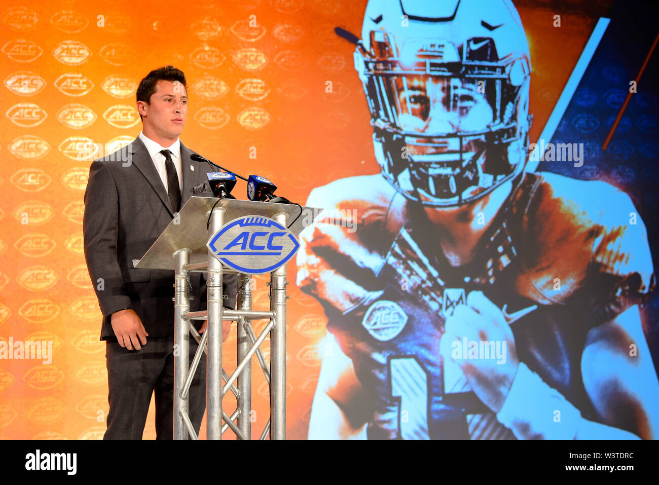 Charlotte, North Carolina, USA. 17th July, 2019. Syracuse TOMMY DEVITO (QB) speaking to reporters during the ACC Atlantic Division Coach/Student interviews on July 17, 2019 at the Westin Hotels & Resorts in Charlotte, N.C. Credit: Ed Clemente/ZUMA Wire/Alamy Live News - Stock Image