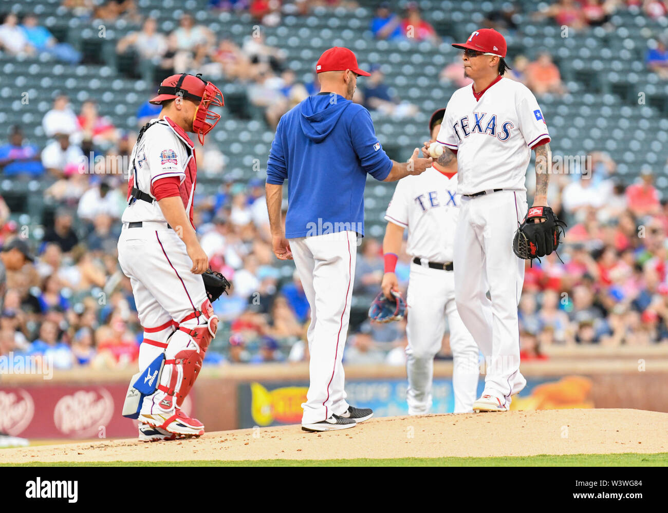 Arizona, USA. 17th July 2019. Texas Rangers relief pitcher Jesse Chavez #53 is pulled from the game in the first inning after giving up 7 earned runs during an interleague MLB game between the National League team the Arizona Diamondbacks and the Texas Rangers at Globe Life Park in Arlington, Arizona defeated Texas 19-4 Albert Pena/CSM Credit: Cal Sport Media/Alamy Live News - Stock Image