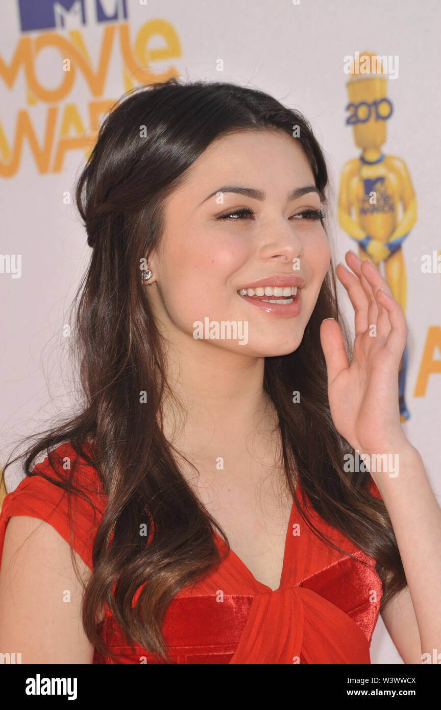 LOS ANGELES, CA. June 06, 2010: Miranda Cosgrove at the 2010 MTV Movie Awards at the Gibson Amphitheatre, Universal Studios, Hollywood. © 2010 Paul Smith / Featureflash - Stock Image