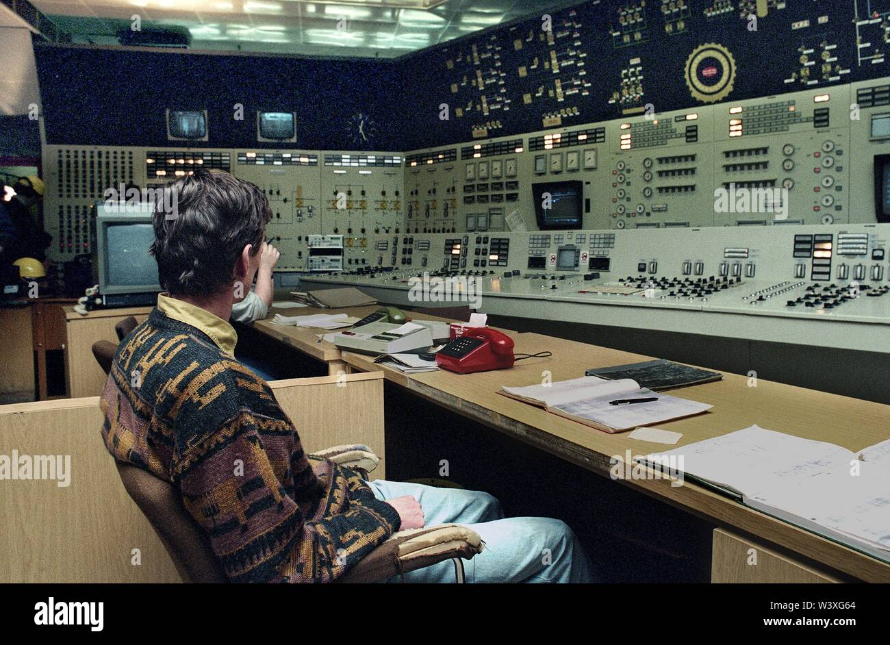 FILED - 01 January 1990, Berlin, Lubmin: Mecklenburg-Western Pomerania / GDR / 1990 Lubmin nuclear power plant near Greifswald. Block 5 is still under construction. A little later, the power plant is shut down for safety reasons. Later, an interim storage facility for radioactive waste will be set up there. The technology of the NPP was Soviet. A total of 5 blocks were planned, 4 were in operation, each with a capacity of 400 MW. All decommissioned in 1990 // Atom / Energy / Reactor / Atom / Nuclear Power / Federal States *** Local Caption *** East Germany / Energy Atomic power plant near Grei - Stock Image