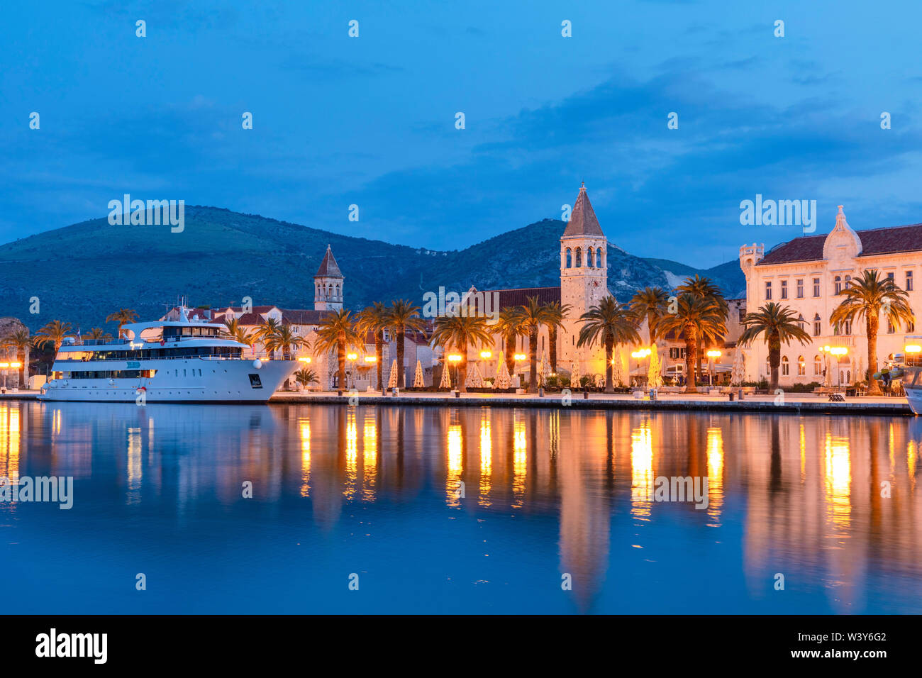 Trogir Harbour, Trogir, Dalmatian Coast, Croatia, Europe - Stock Image