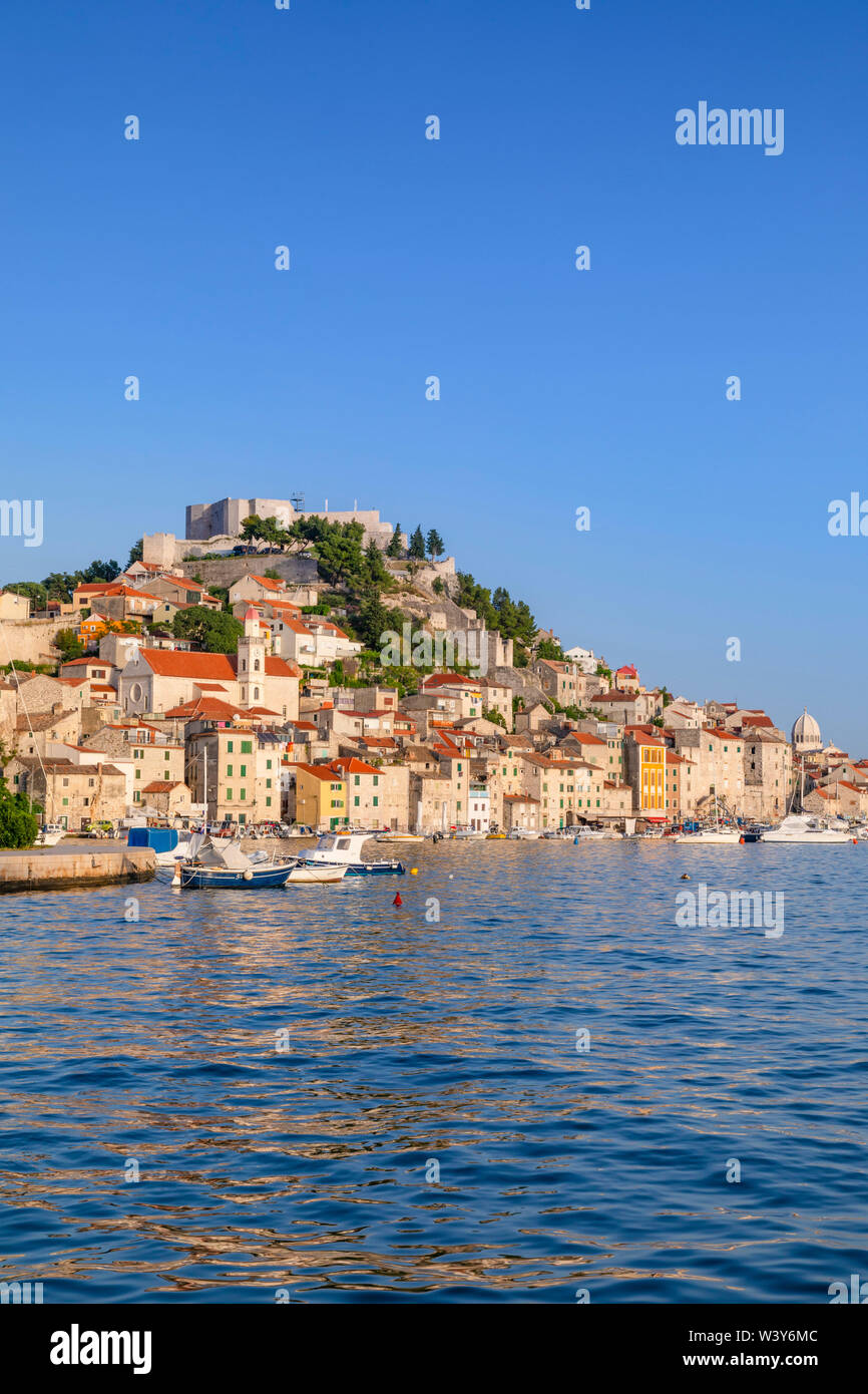 St. Michael's Fortress and Sibenik Harbour, Sibenik, Dalmatian Coast, Croatia, Europe - Stock Image
