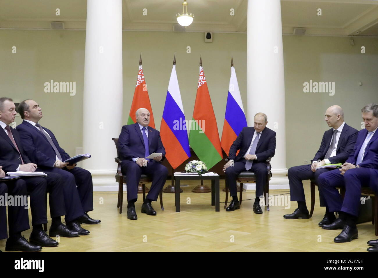St Petersburg, Russia. 18th July, 2019. ST PETERSBURG, RUSSIA - JULY 18, 2019: Belarus' President Alexander Lukashenko and Russia's President Vladimir Putin (L-R centre) during a meeting at the Tauride Palace. Mikhail Metzel/TASS Credit: ITAR-TASS News Agency/Alamy Live News - Stock Image