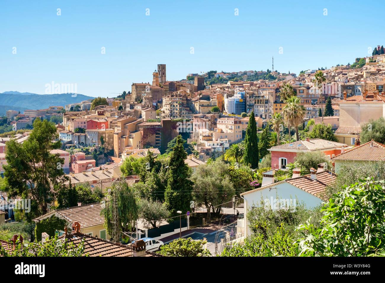 View of hilltop city of Grasse, Alpes-Maritimes, Provence-Alpes-Côte d'Azur, France. - Stock Image
