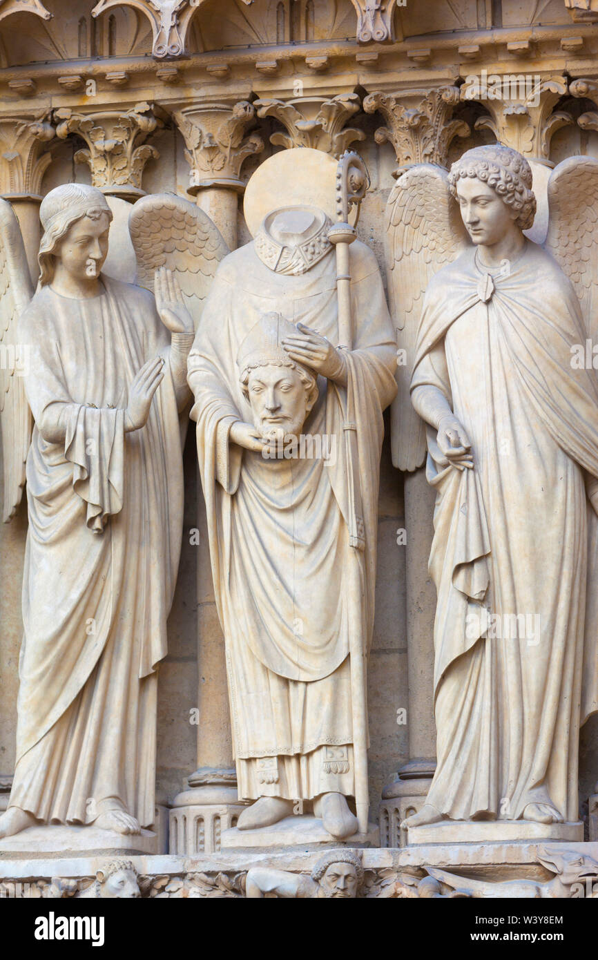 France, Paris, Notre Dame Cathedral, detail of statues on facade - Stock Image