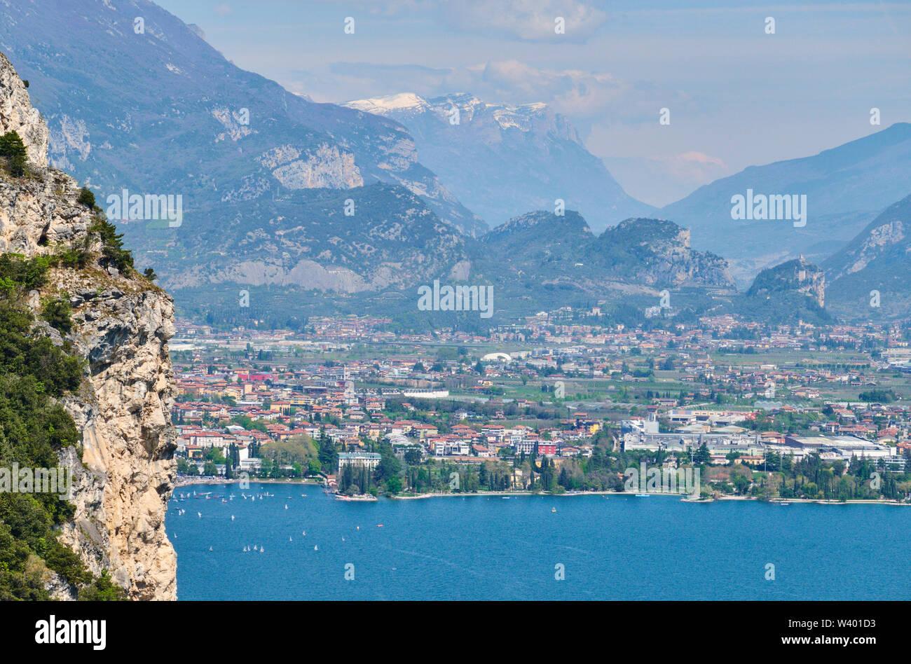 City of Riva del Garda at Lago di Garda, Lake Garda in Torbole - Nago, Riva, Trentino , Italy at April 17, 2019. © Peter Schatz / Alamy Stock Photos - Stock Image