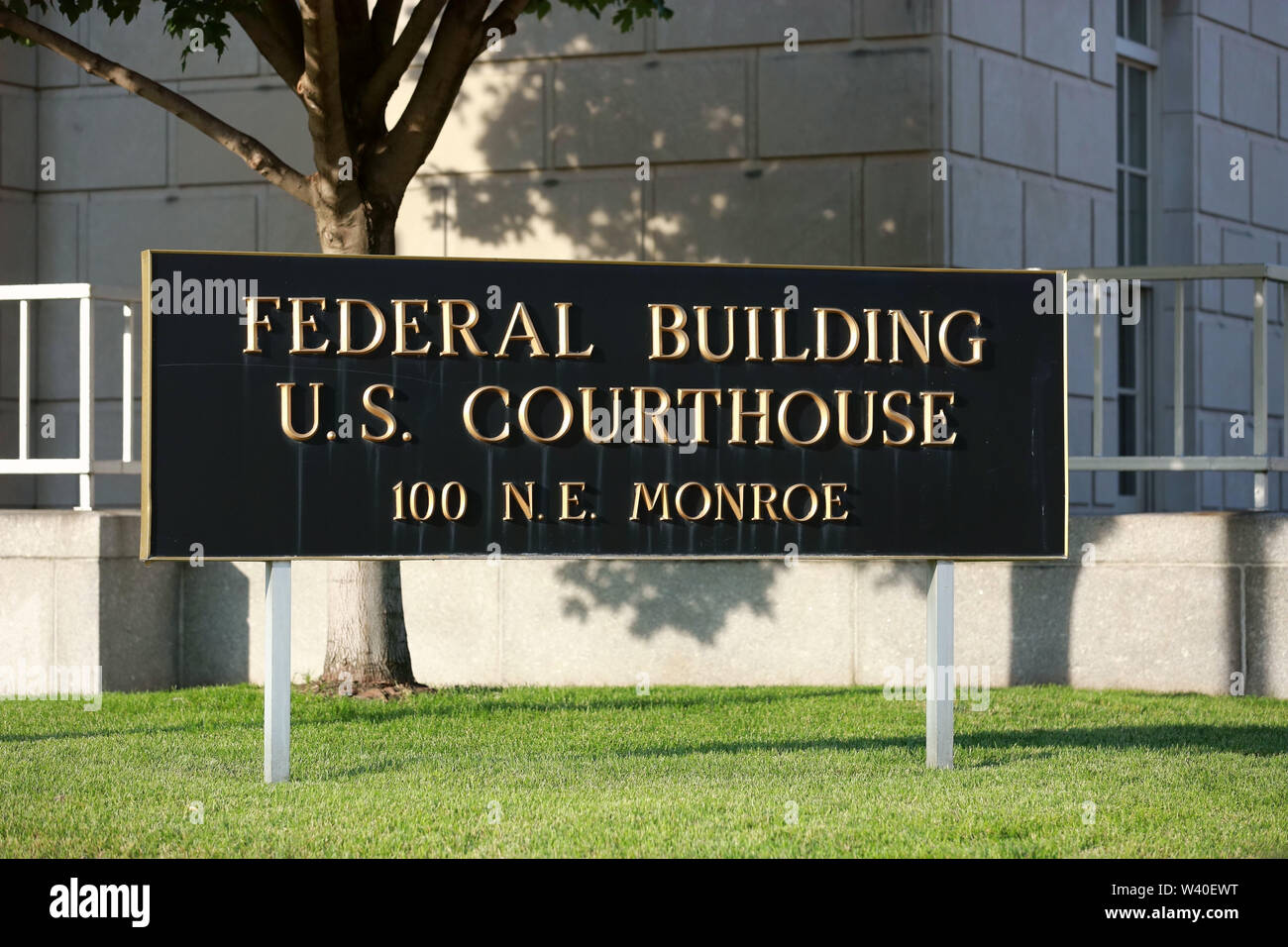 Peoria, USA. 18th July, 2019. Photo taken on July 18, 2019 shows a federal courthouse building in Peoria, Illinois, the United States. Brendt Christensen, the kidnapper and killer of Chinese scholar Zhang Yingying in 2017, was sentenced on Thursday to life imprisonment without possibility of release, Judge James Shadid announced the verdict in a federal court of Peoria in the U.S. state of Illinois, after the jury failed to reach a unanimous decision on whether he should be sentenced to death or life in prison. Credit: Wang Ping/Xinhua/Alamy Live News - Stock Image