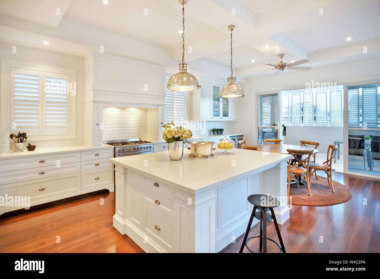 A Classy Kitchen And Dining Area Featuring Gas Hob Dining