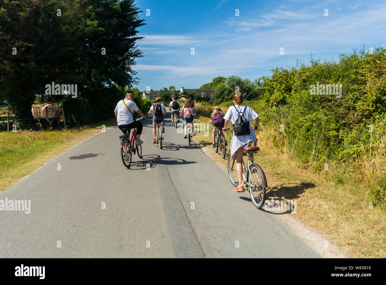 Vannes, FRANCE, VIew of Old Town, Ile d'Arz, in Golfe de Morbihan, Tourists Visiting, SUmmer Vacation - Stock Image