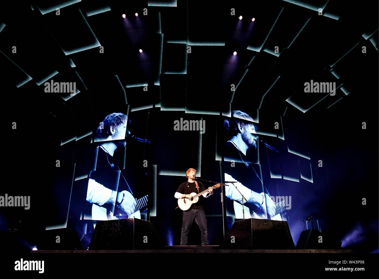 British Singer Ed Sheeran Stock Photos & British Singer Ed