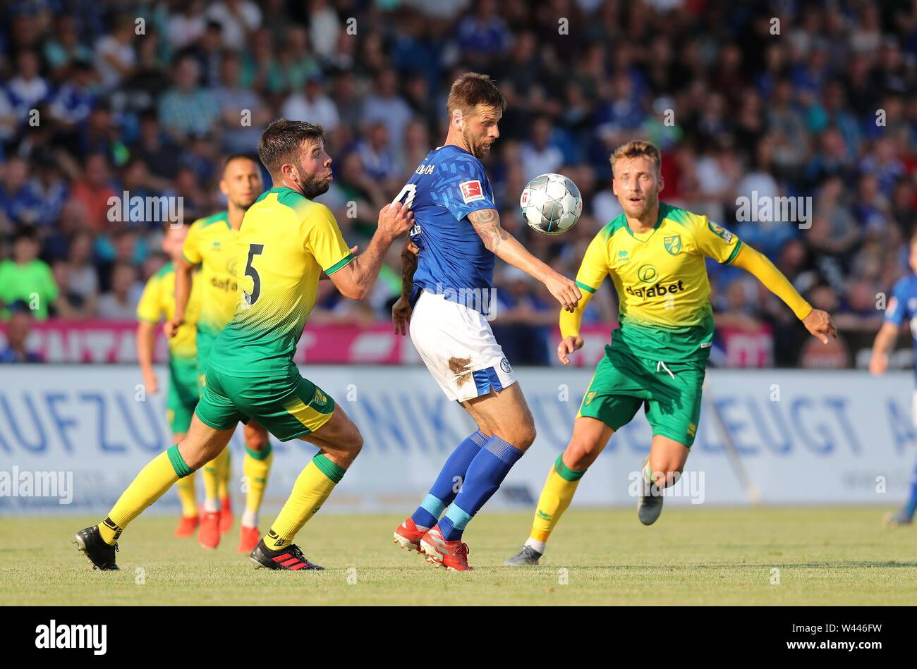 Lotte, Deutschland. 19th July, 2019. firo: 19.07.2019, football, 1.Bundesliga, season 2019/2020, friendly match, FC Schalke 04 - Norwich City Guido BURGSTALLER, Schalke, withte | usage worldwide Credit: dpa/Alamy Live News - Stock Image