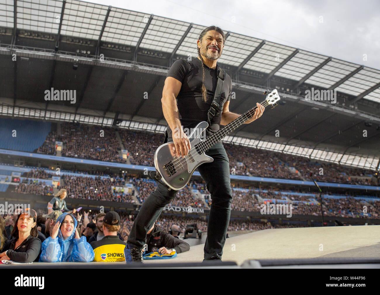 Metallica Performing On Their Worldwired Tour 2019 at Manchester Etihad Stadium Featuring: Metallica, Robert Trujillo Where: Manchester, United Kingdom When: 18 Jun 2019 Credit: Sakura/WENN.com - Stock Image