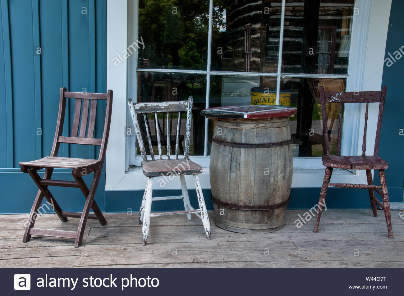 Fantastic Old Wooden Barrel Table And Chairs Outside Store Window Andrewgaddart Wooden Chair Designs For Living Room Andrewgaddartcom