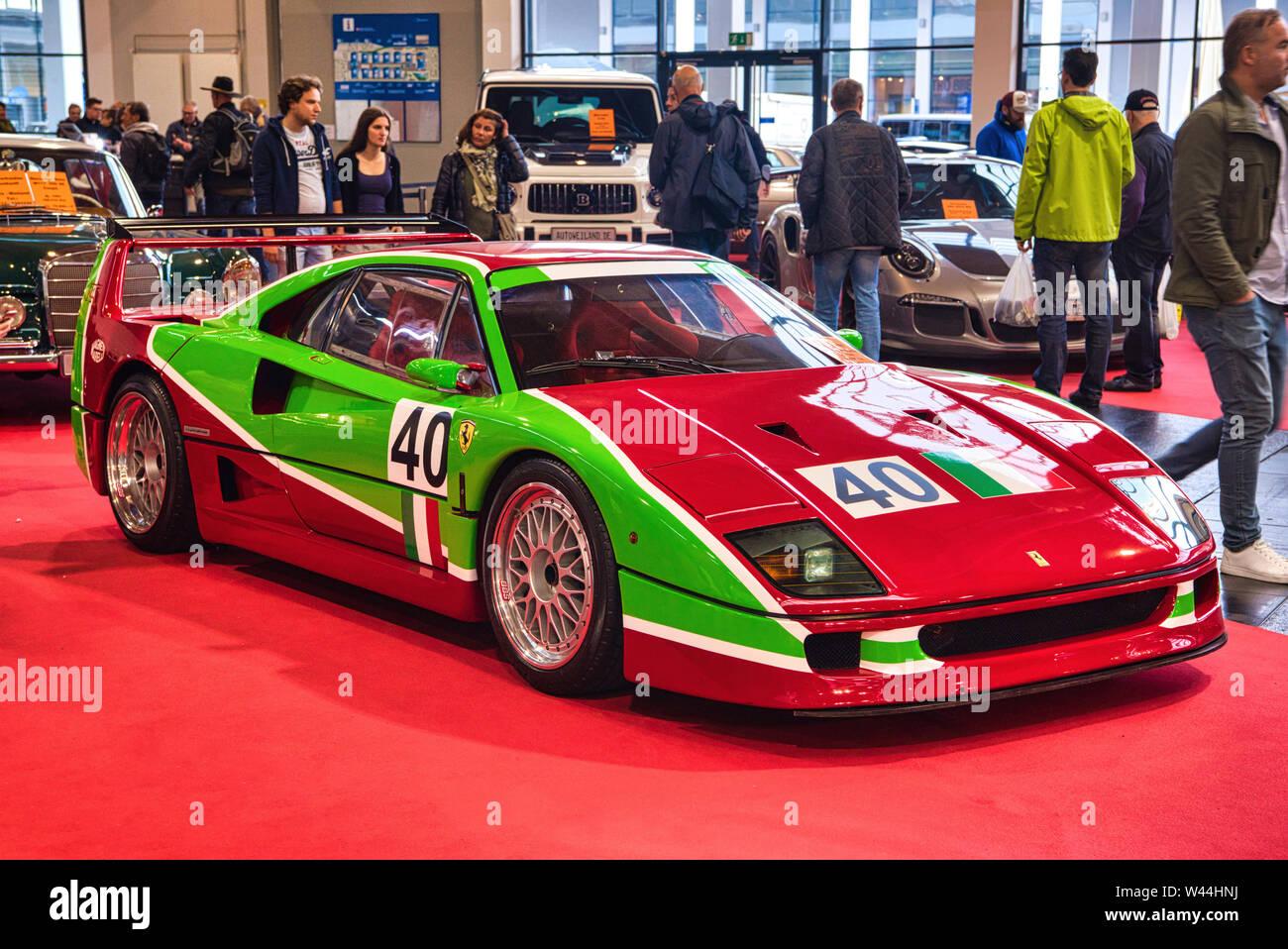 Friedrichshafen May 2019 Red Green Ferrari F40 1989 At Motorworld Classics Bodensee On May 11 2019 In Friedrichshafen Germany Stock Photo Alamy