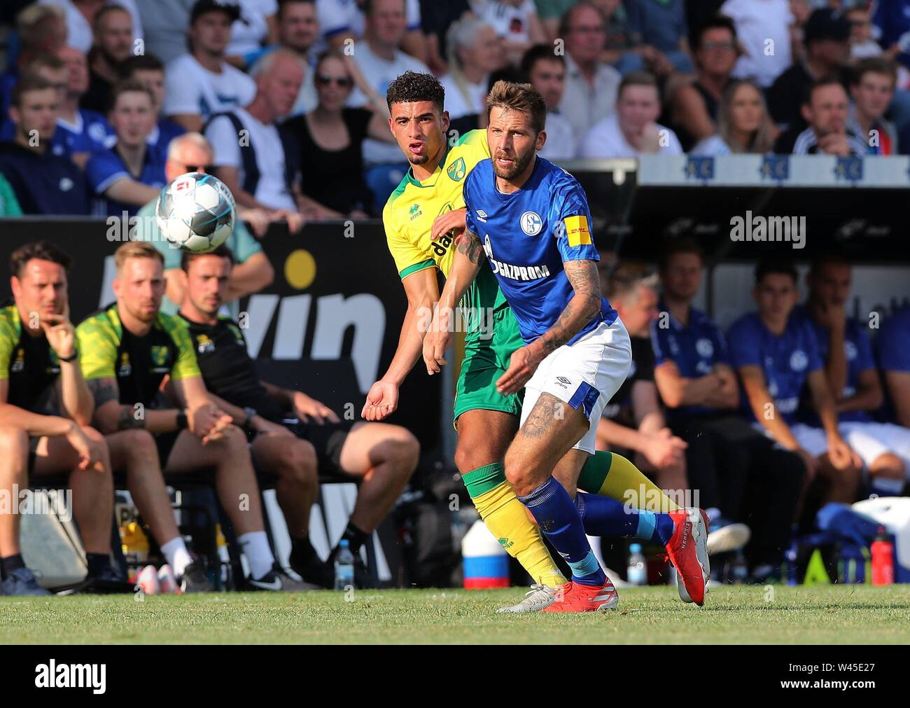 Lotte, Deutschland. 19th July, 2019. firo: 19.07.2019, football, 1.Bundesliga, season 2019/2020, friendly match, FC Schalke 04 - Norwich City Guido BURGSTALLER, Schalke, right, duels | usage worldwide Credit: dpa/Alamy Live News - Stock Image