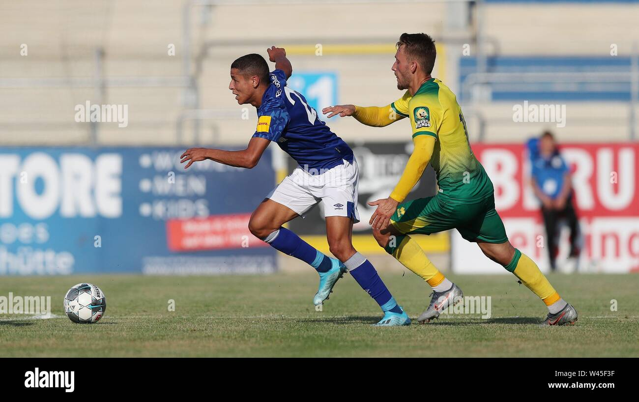Lotte, Deutschland. 19th July, 2019. firo: 19.07.2019, football, 1.Bundesliga, season 2019/2020, friendly match, FC Schalke 04 - Norwich City Amine HARIT, Schalke, left duels | usage worldwide Credit: dpa/Alamy Live News - Stock Image
