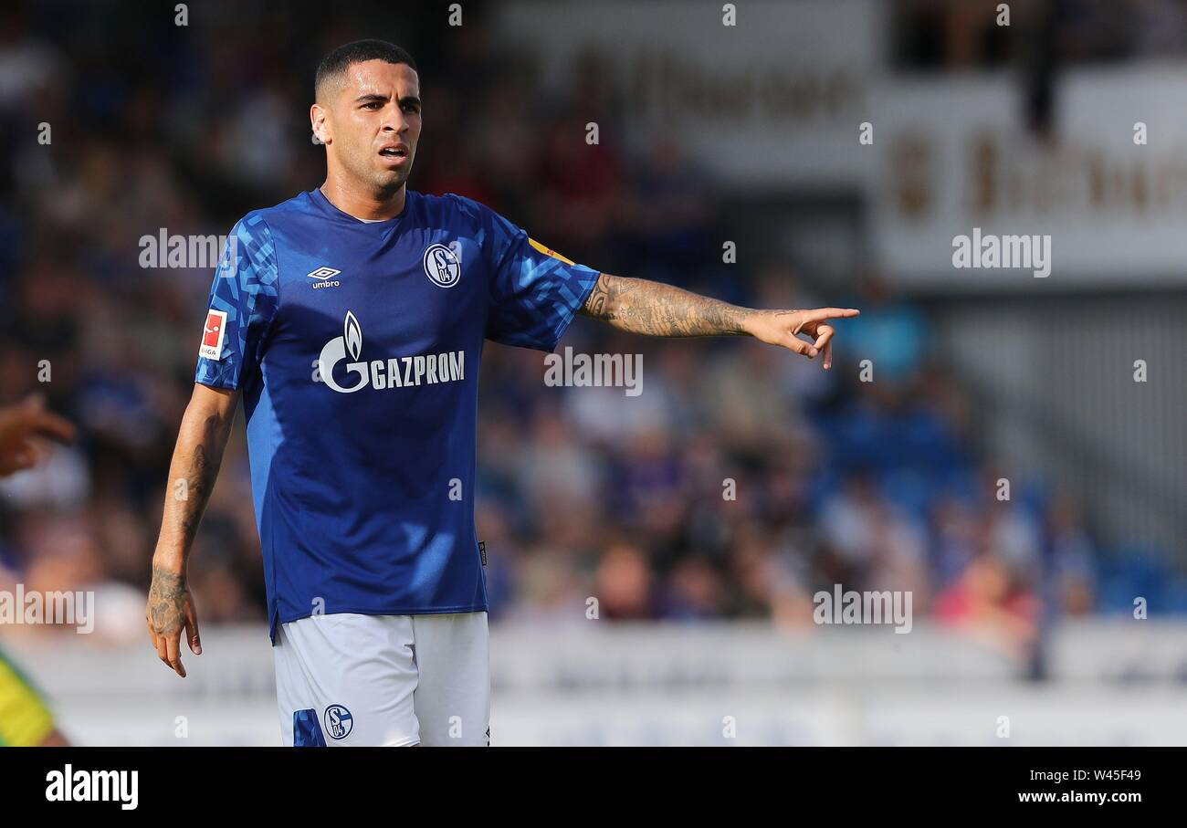 Lotte, Deutschland. 19th July, 2019. firo: 19.07.2019, football, 1.Bundesliga, season 2019/2020, friendly match, FC Schalke 04 - Norwich City Omar MASCARELL, Schalke, gesture | usage worldwide Credit: dpa/Alamy Live News - Stock Image