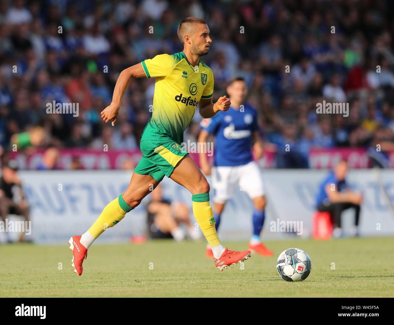 Lotte, Deutschland. 19th July, 2019. firo: 19.07.2019, football, 1.Bundesliga, season 2019/2020, friendly match, FC Schalke 04 - Norwich City Moritz LEITNER, Norwich, single action | usage worldwide Credit: dpa/Alamy Live News - Stock Image