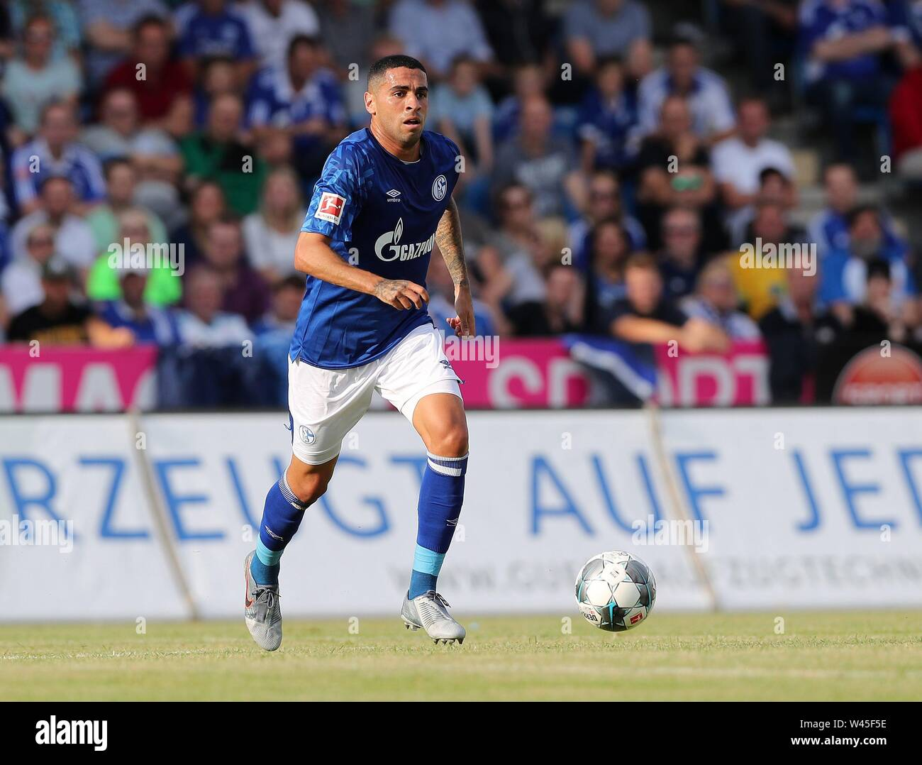 Lotte, Deutschland. 19th July, 2019. firo: 19.07.2019, football, 1.Bundesliga, season 2019/2020, friendly match, FC Schalke 04 - Norwich City Omar MASCARELL, Schalke, single action | usage worldwide Credit: dpa/Alamy Live News - Stock Image