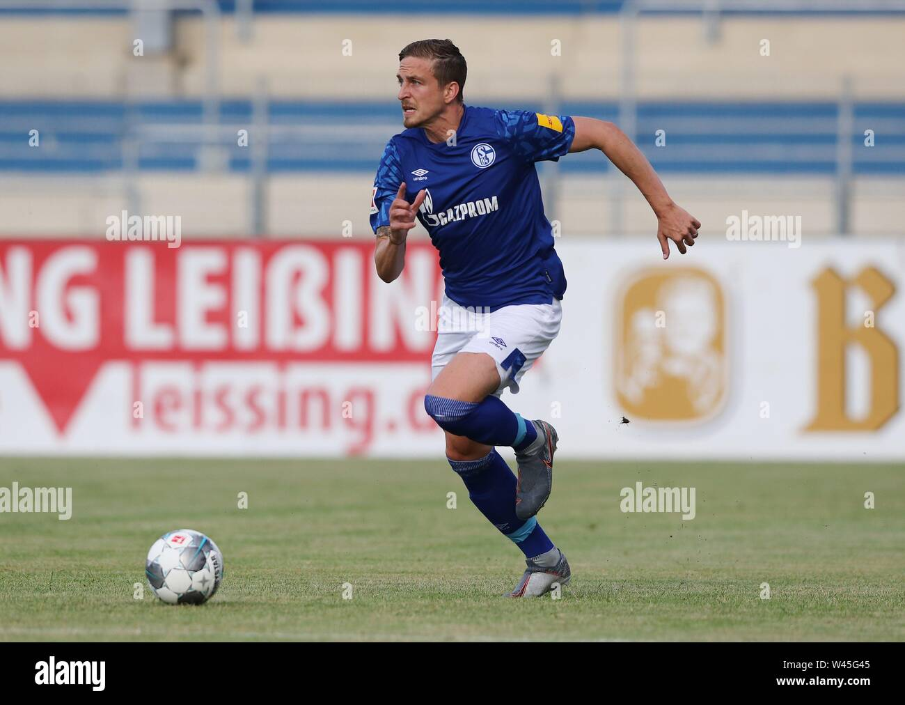 Lotte, Deutschland. 19th July, 2019. firo: 19.07.2019, football, 1.Bundesliga, season 2019/2020, friendly match, FC Schalke 04 - Norwich City Bastian OCZIPKA, Schalke, single action | usage worldwide Credit: dpa/Alamy Live News - Stock Image