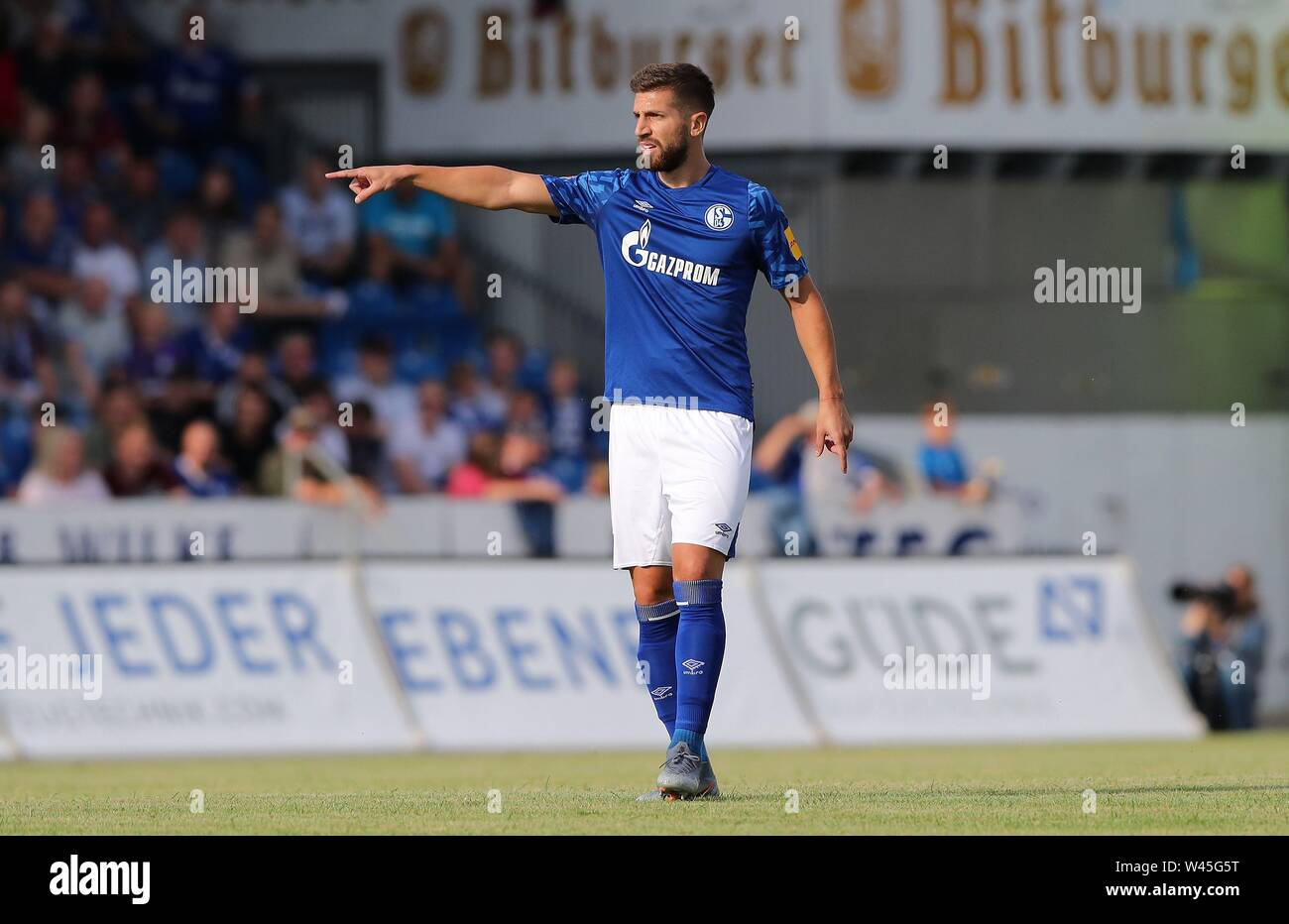 Lotte, Deutschland. 19th July, 2019. firo: 19.07.2019, football, 1.Bundesliga, season 2019/2020, friendly match, FC Schalke 04 - Norwich City MATIJA NASTASIC, Schalke, gesture | usage worldwide Credit: dpa/Alamy Live News - Stock Image