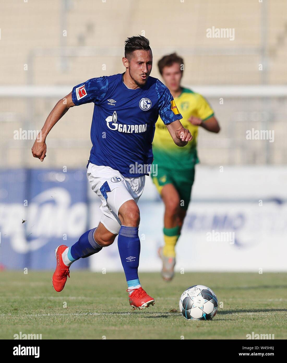Lotte, Deutschland. 19th July, 2019. firo: 19.07.2019, football, 1.Bundesliga, season 2019/2020, friendly match, FC Schalke 04 - Norwich City Steven SKRZYBSKI, Schalke, single action | usage worldwide Credit: dpa/Alamy Live News - Stock Image
