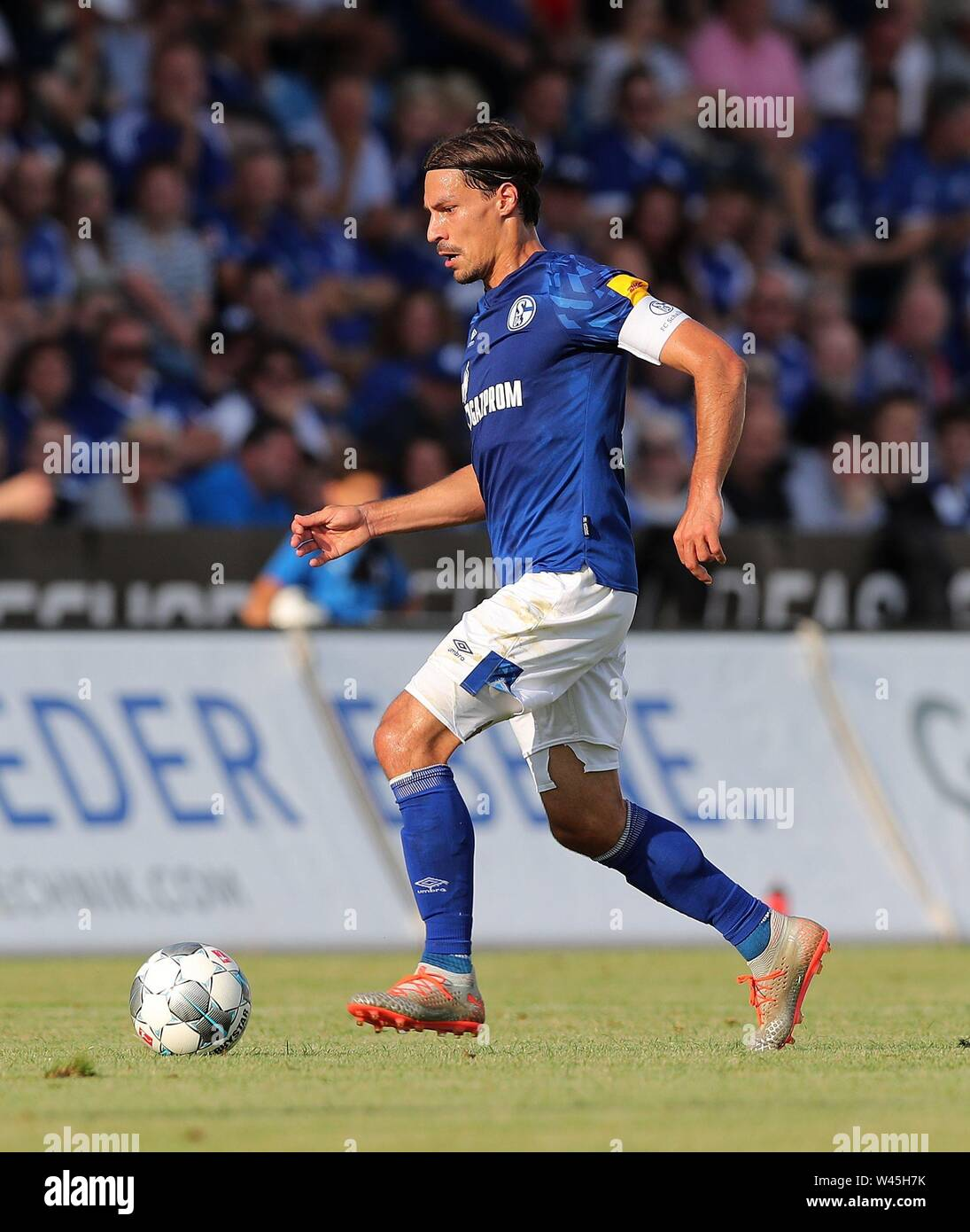 Lotte, Deutschland. 19th July, 2019. firo: 19.07.2019, football, 1.Bundesliga, season 2019/2020, friendly match, FC Schalke 04 - Norwich City Benjamin STAMBOULI, Schalke, single action | usage worldwide Credit: dpa/Alamy Live News - Stock Image