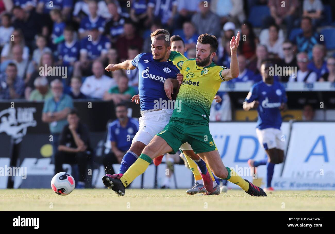 Lotte, Deutschland. 19th July, 2019. firo: 19.07.2019, football, 1.Bundesliga, season 2019/2020, friendly match, FC Schalke 04 - Norwich City Ahmed KUTUCU, Schalke, left duels | usage worldwide Credit: dpa/Alamy Live News - Stock Image