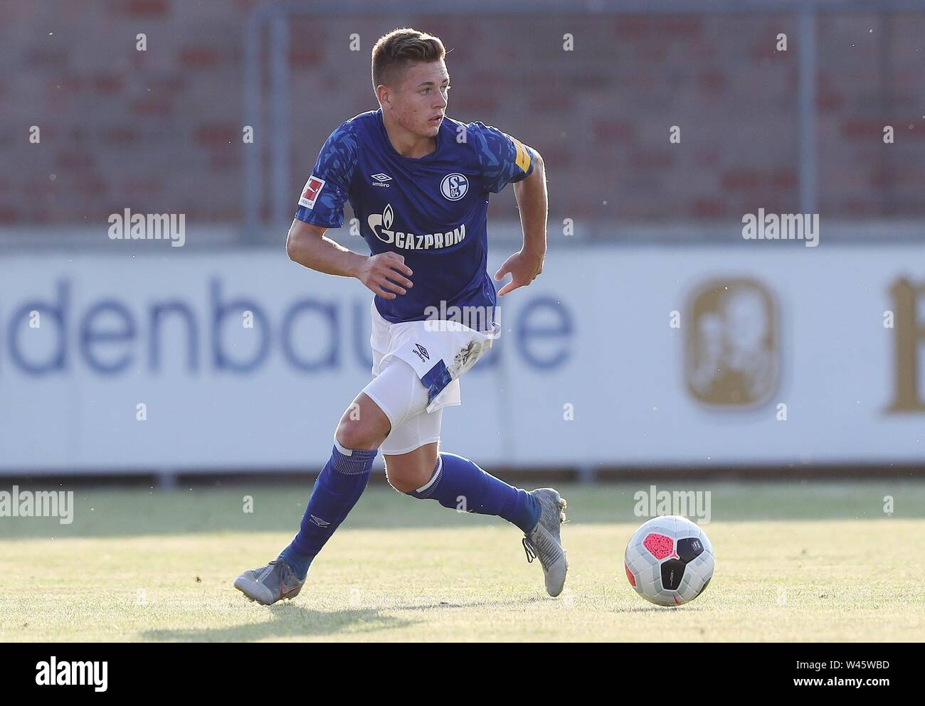 Lotte, Deutschland. 19th July, 2019. firo: 19.07.2019, football, 1.Bundesliga, season 2019/2020, friendly match, FC Schalke 04 - Norwich City Sandro PLECHATY, Schalke, single action | usage worldwide Credit: dpa/Alamy Live News - Stock Image
