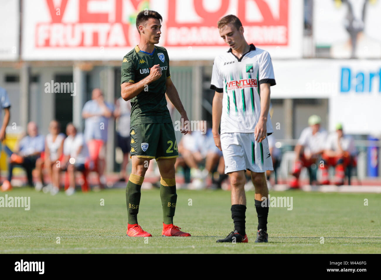 Darfo Boario, Italia. 21st July, 2019. Foto Stefano Nicoli/LaPresse21 luglio 2019 Darfo Boario (Bs), Italia sport calcio Amichevole Brescia Darfo Pre Campionato di calcio Serie A 2019/2020 - Nella foto: Esultanza Viviani Photo Stefano Nicoli/LaPresse July 20, 2019 Darfo Boario (Bs), Italy sport soccer Friendly match Brescia Darfo League A TIM 2019/2020 - In the pic: Viviani Celebrates Credit: LaPresse/Alamy Live News - Stock Image