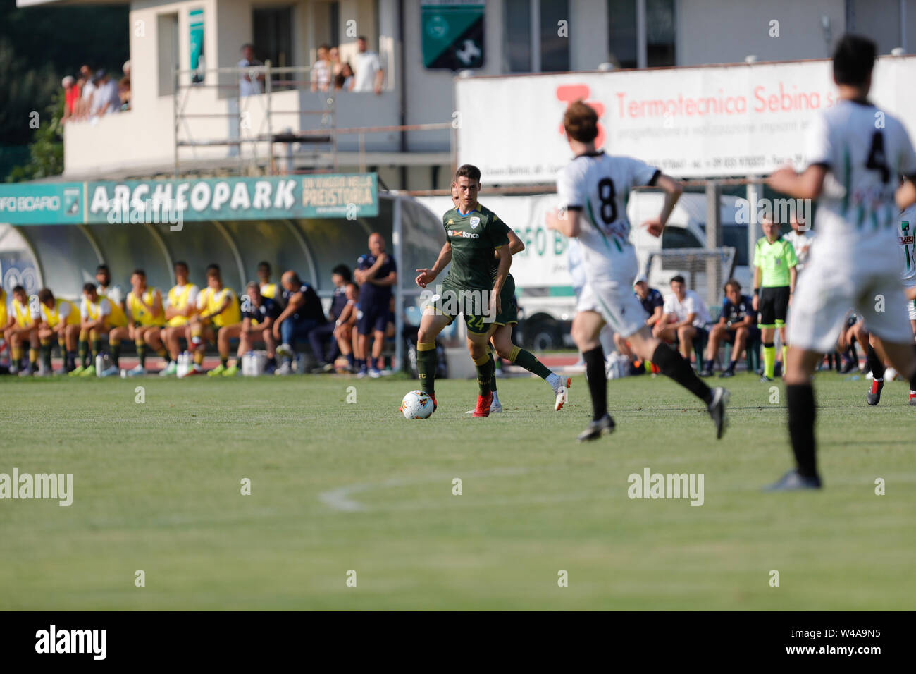Darfo Boario, Italia. 21st July, 2019. Foto Stefano Nicoli/LaPresse21 luglio 2019 Darfo Boario (Bs), Italia sport calcio Amichevole Brescia Darfo Pre Campionato di calcio Serie A 2019/2020 - Nella foto: MAttia Viviani Photo Stefano Nicoli/LaPresse July 20, 2019 Darfo Boario (Bs), Italy sport soccer Friendly match Brescia Darfo League A TIM 2019/2020 - In the pic: Mattia Viviani Credit: LaPresse/Alamy Live News - Stock Image