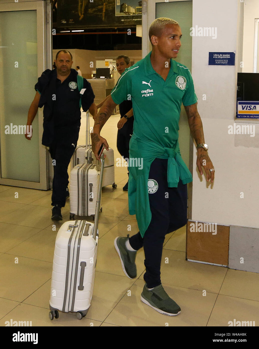 Buenos Aires, Argentina. 21st July, 2019. The Deyverson player of SE Palmeiras during landing at Buenos Aires International Airport. Credit: Cesar Greco/FotoArena/Alamy Live News - Stock Image