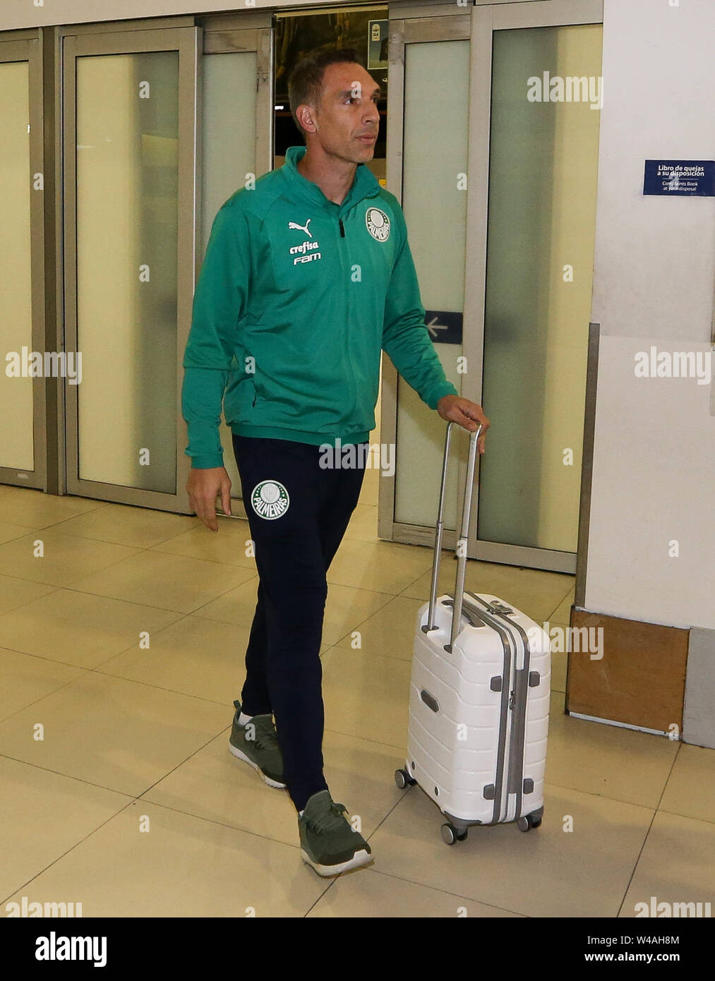 Buenos Aires, Argentina. 21st July, 2019. Goalkeeper Fernando Prass of SE Palmeiras during landing at Buenos Aires International Airport. Credit: Cesar Greco/FotoArena/Alamy Live News - Stock Image