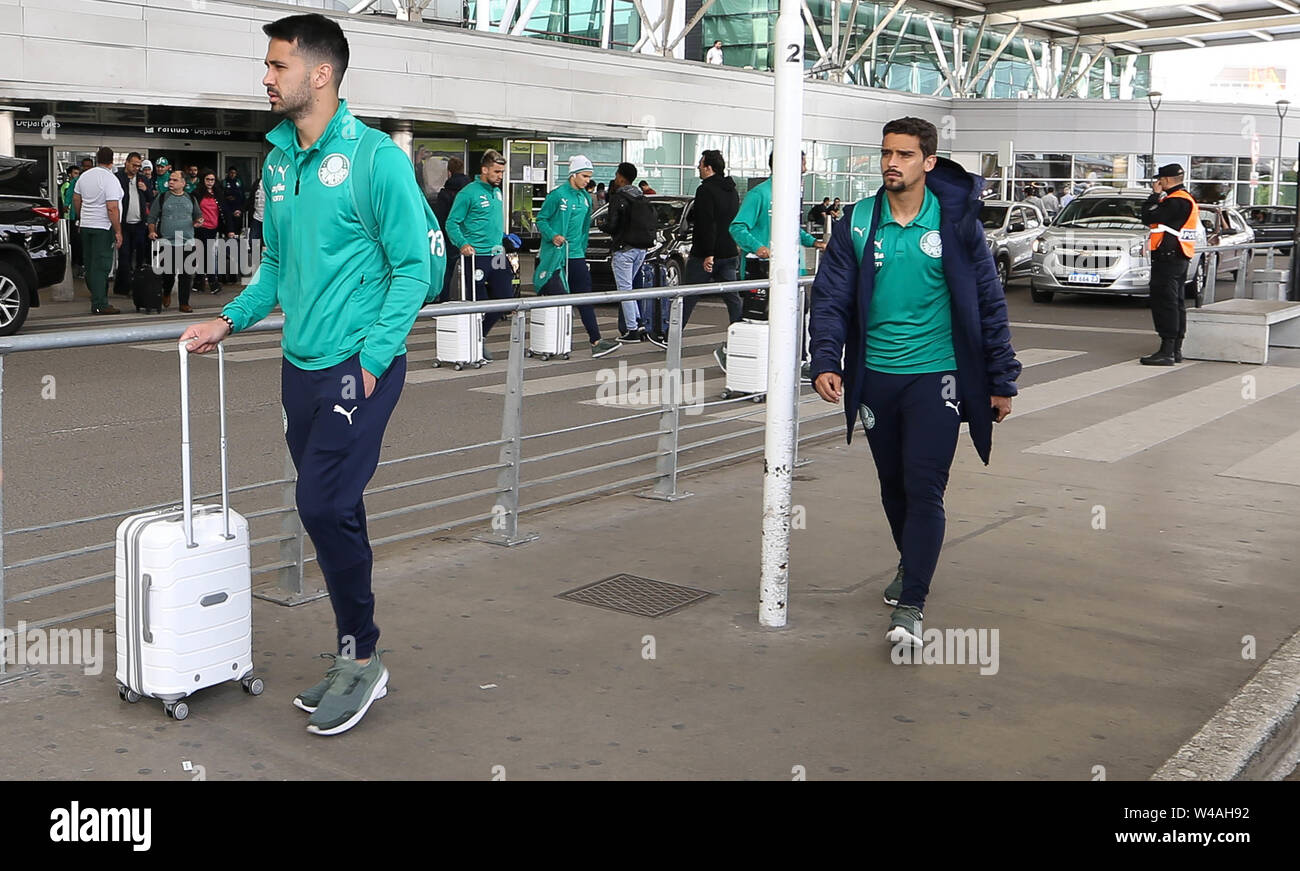 Buenos Aires, Argentina. 21st July, 2019. SE Palmeiras player Luan during landing at Buenos Aires International Airport. Credit: Cesar Greco/FotoArena/Alamy Live News Stock Photo
