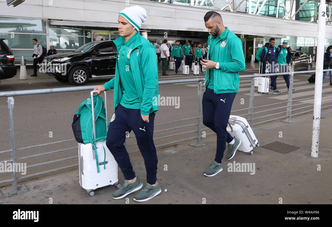 Buenos Aires, Argentina. 21st July, 2019. Raphael Veiga player and goalkeeper Weverton (D) of SE Palmeiras during landing at Buenos Aires International Airport. Credit: Cesar Greco/FotoArena/Alamy Live News - Stock Image