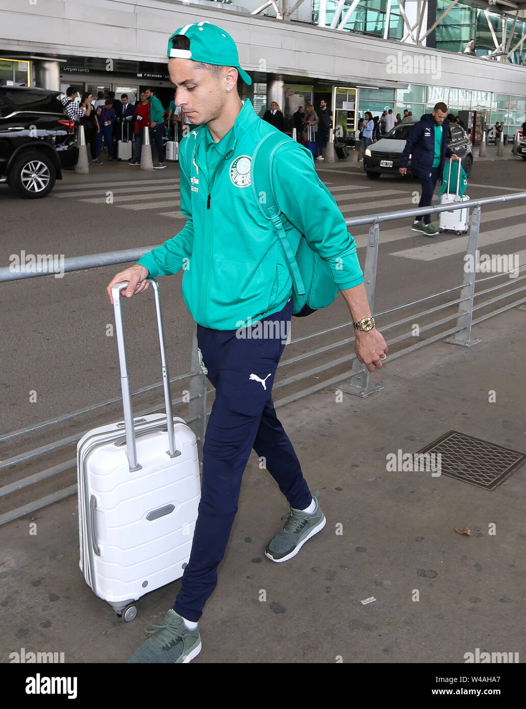 Buenos Aires, Argentina. 21st July, 2019. SE Palmeiras player Diogo Barbosa during disembarkation at Buenos Aires International Airport. Credit: Cesar Greco/FotoArena/Alamy Live News - Stock Image