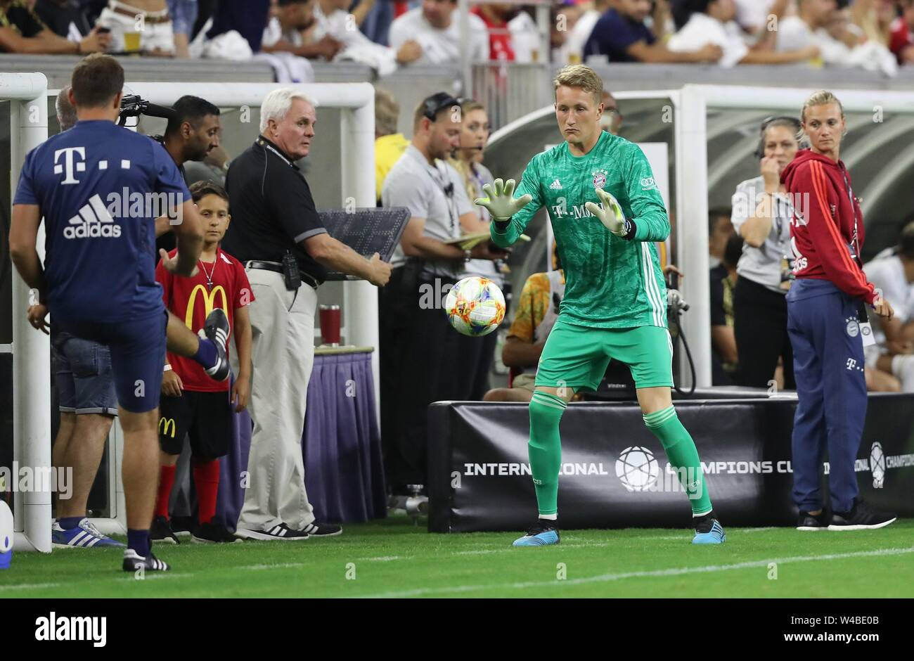 Real Madrid Goalkeeper Coach Stock Photos & Real Madrid Goalkeeper