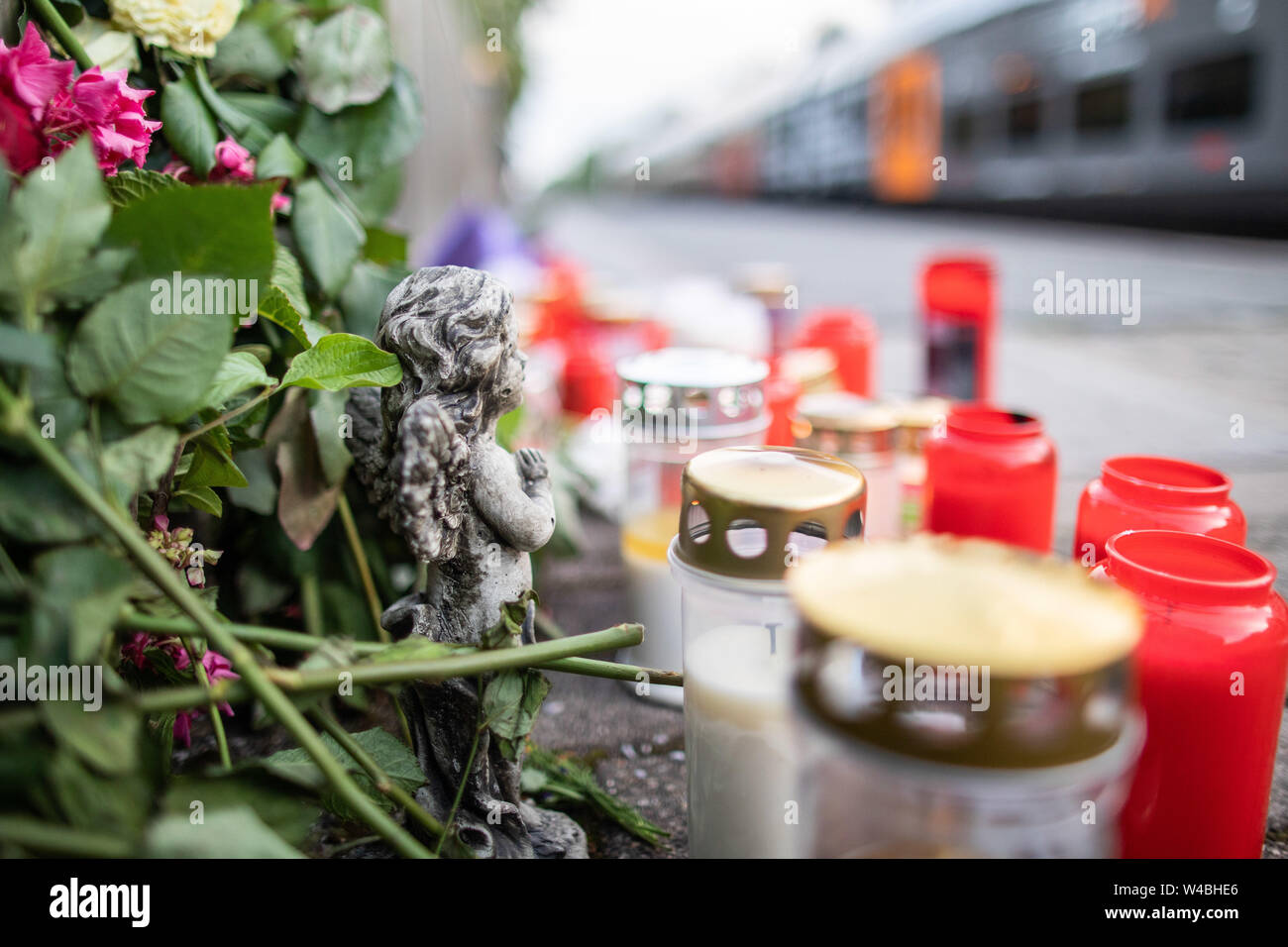 Voerde, Germany  22nd July, 2019  Flowers, candles and a