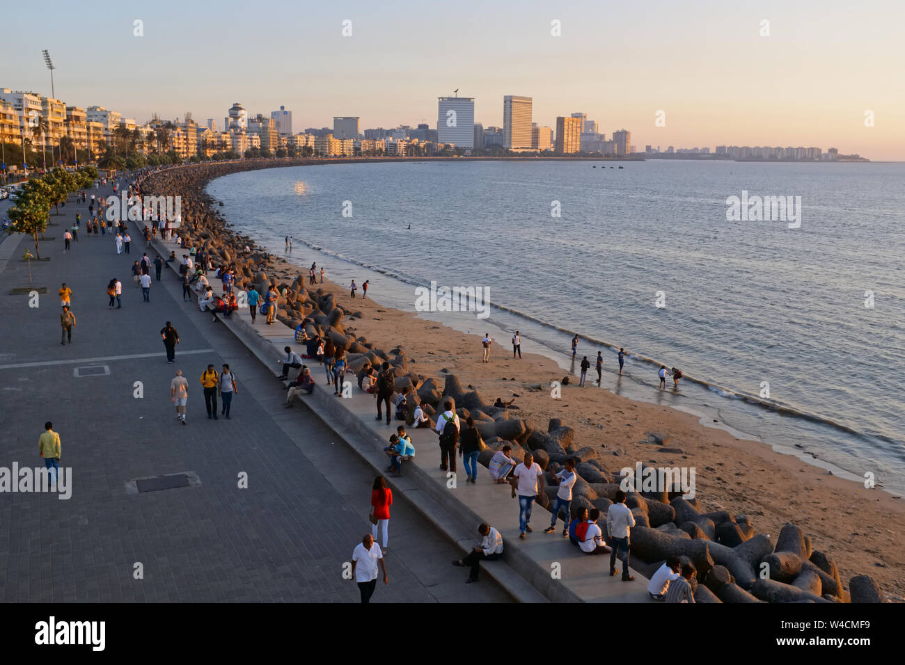 Late afternoon at Marine Drive, Mumbai, India, a boardwalk lining the Arabian Sea, a favorite sport for relaxation; seen from the Princess St. flyover Stock Photo