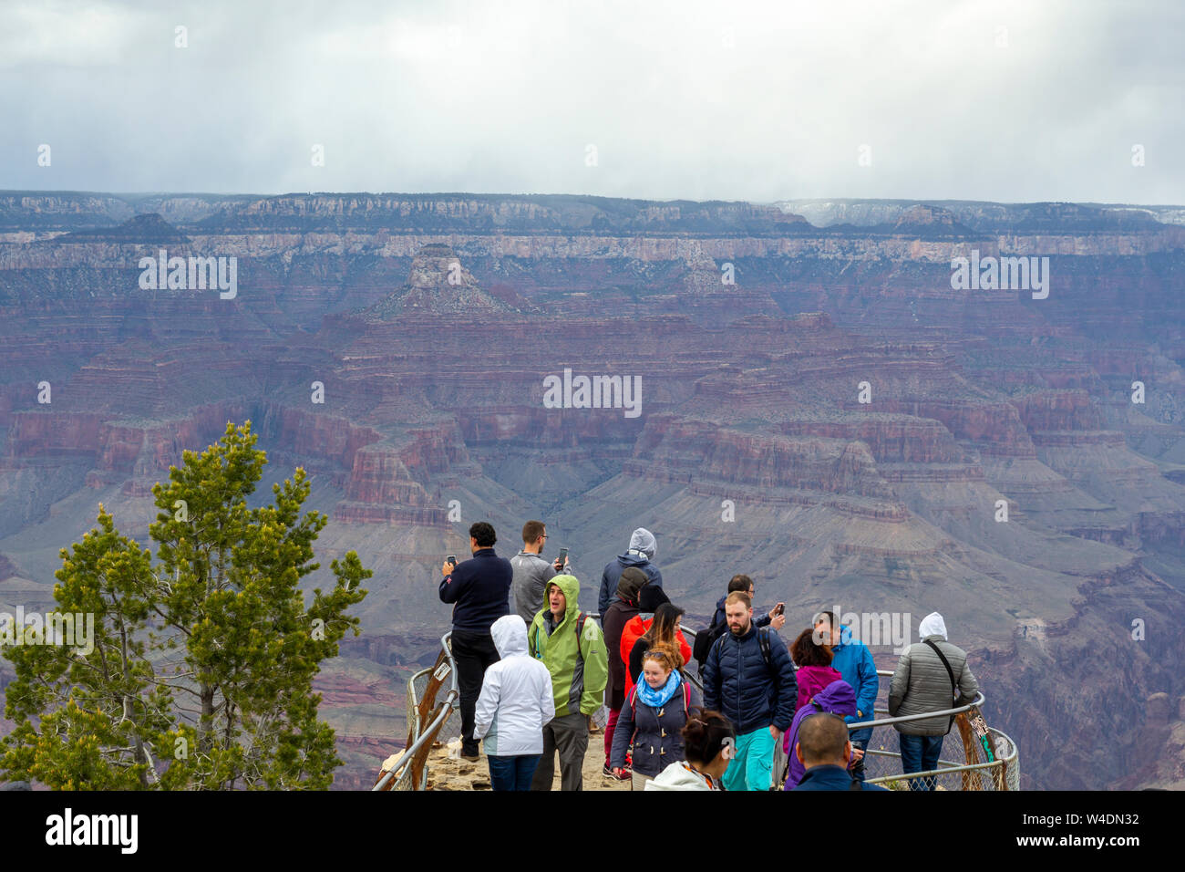 People at a scenic lookout with great views in the Grand Canyon National Park Stock Photo
