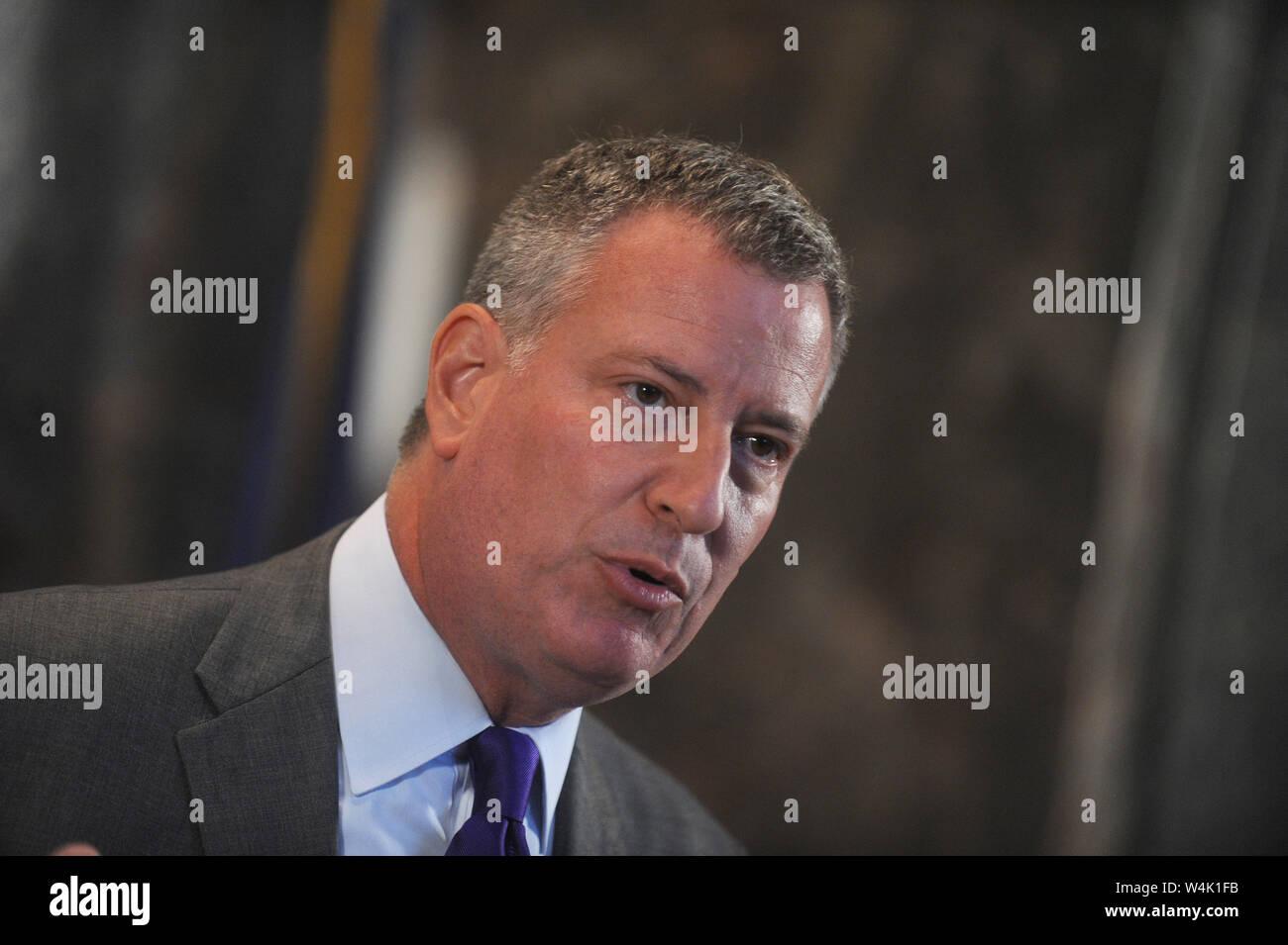 Nyc Mayor Bill De Blasio Stock Photos & Nyc Mayor Bill De